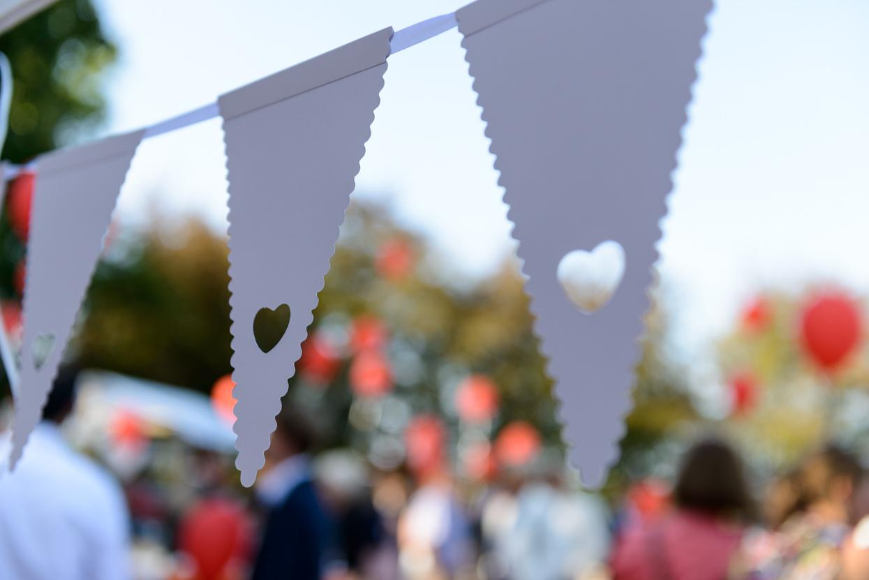 Buitenfeest bruiloft Eindhoven Achelse Kluis