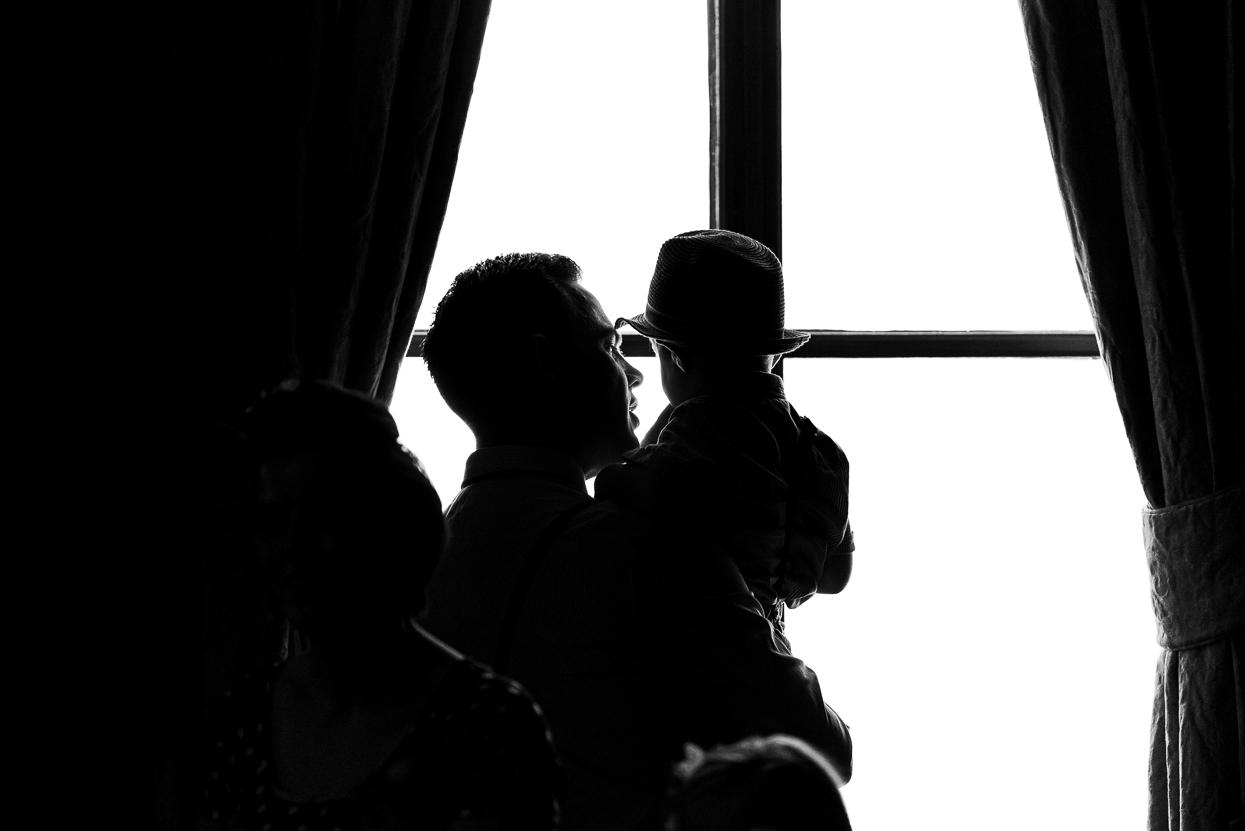 Silhouette kind raam