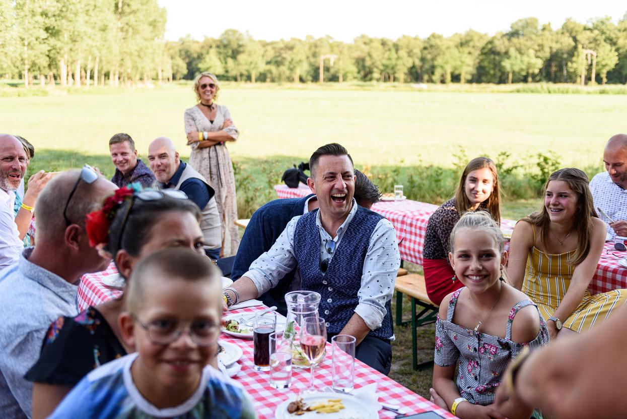 Foto's tijdens het diner op je trouwdag