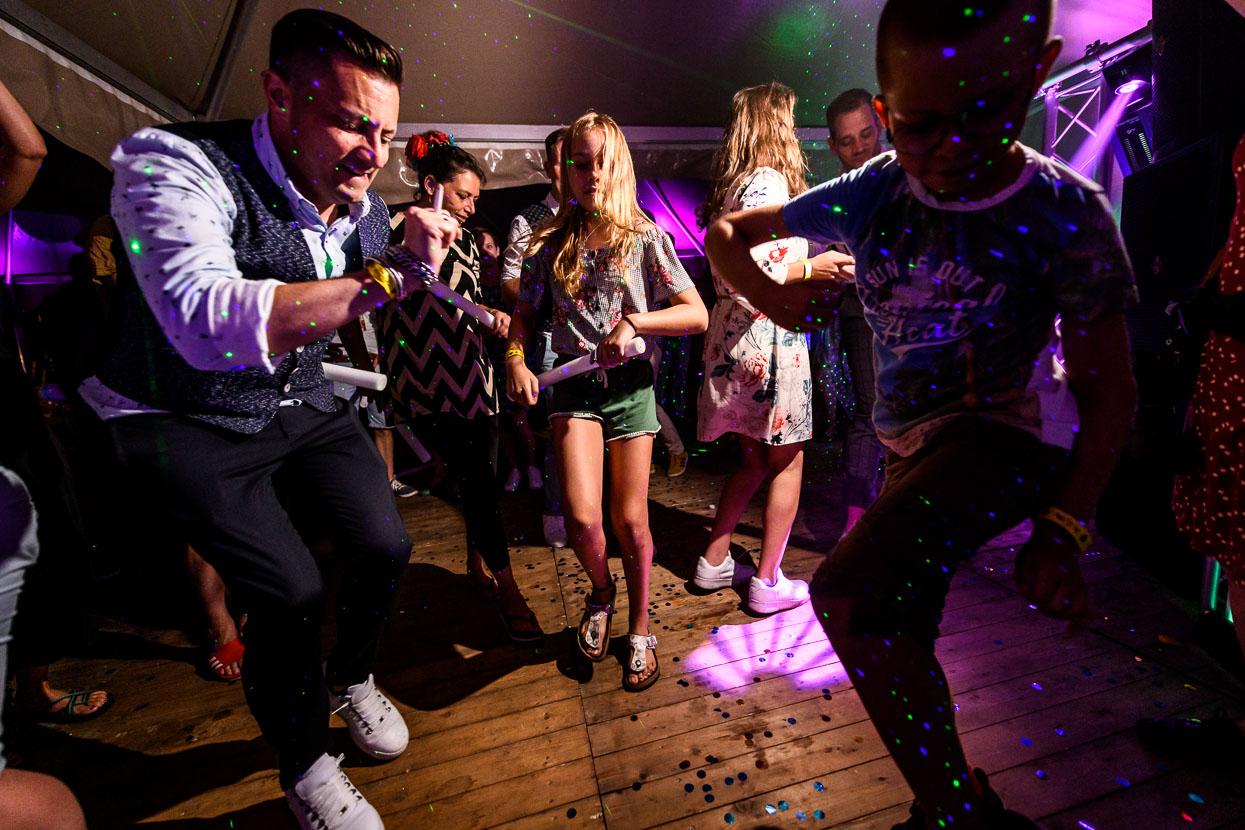 Dansen op het feest op je bruiloft