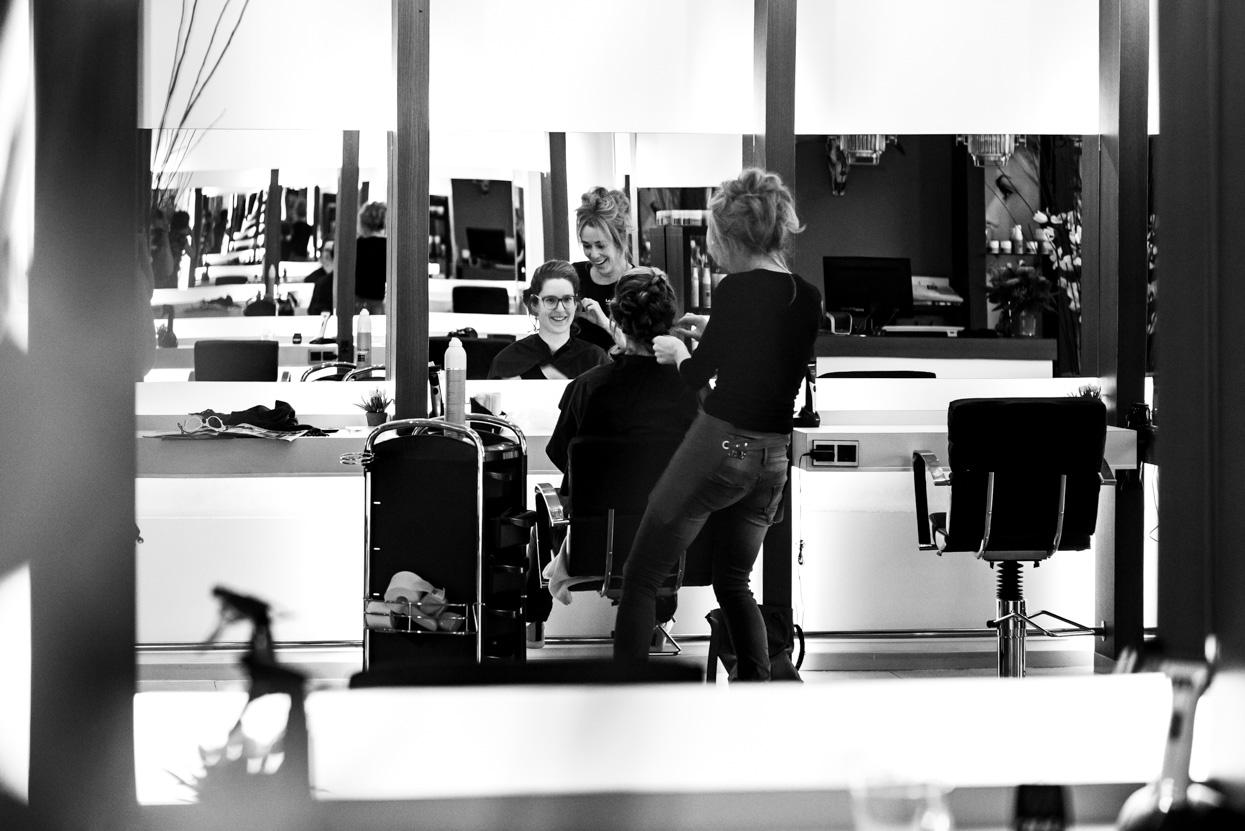Bruidsfoto's bij de kapper