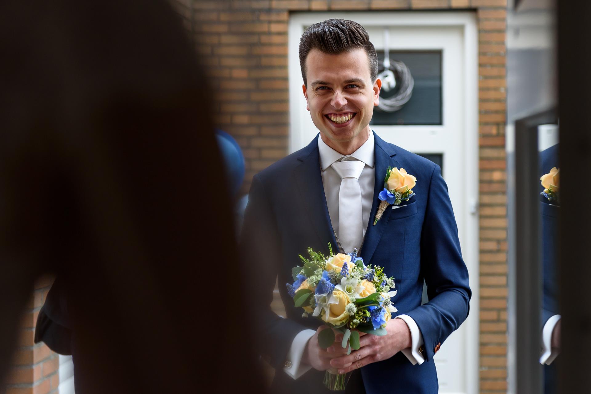 Bruidsfotografie bij de first look