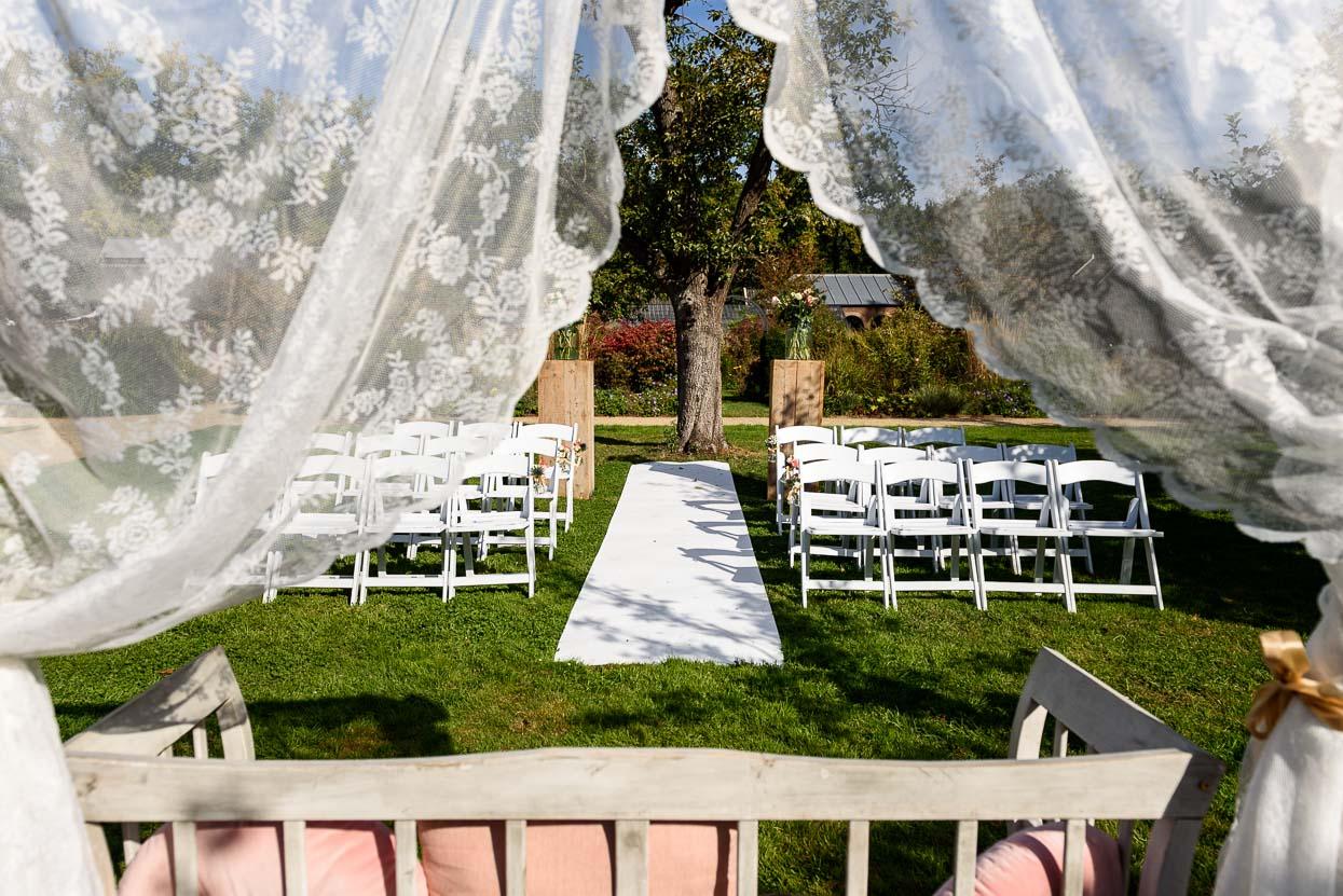 Buiten trouwen bij Kasteelhoeve Geldrop