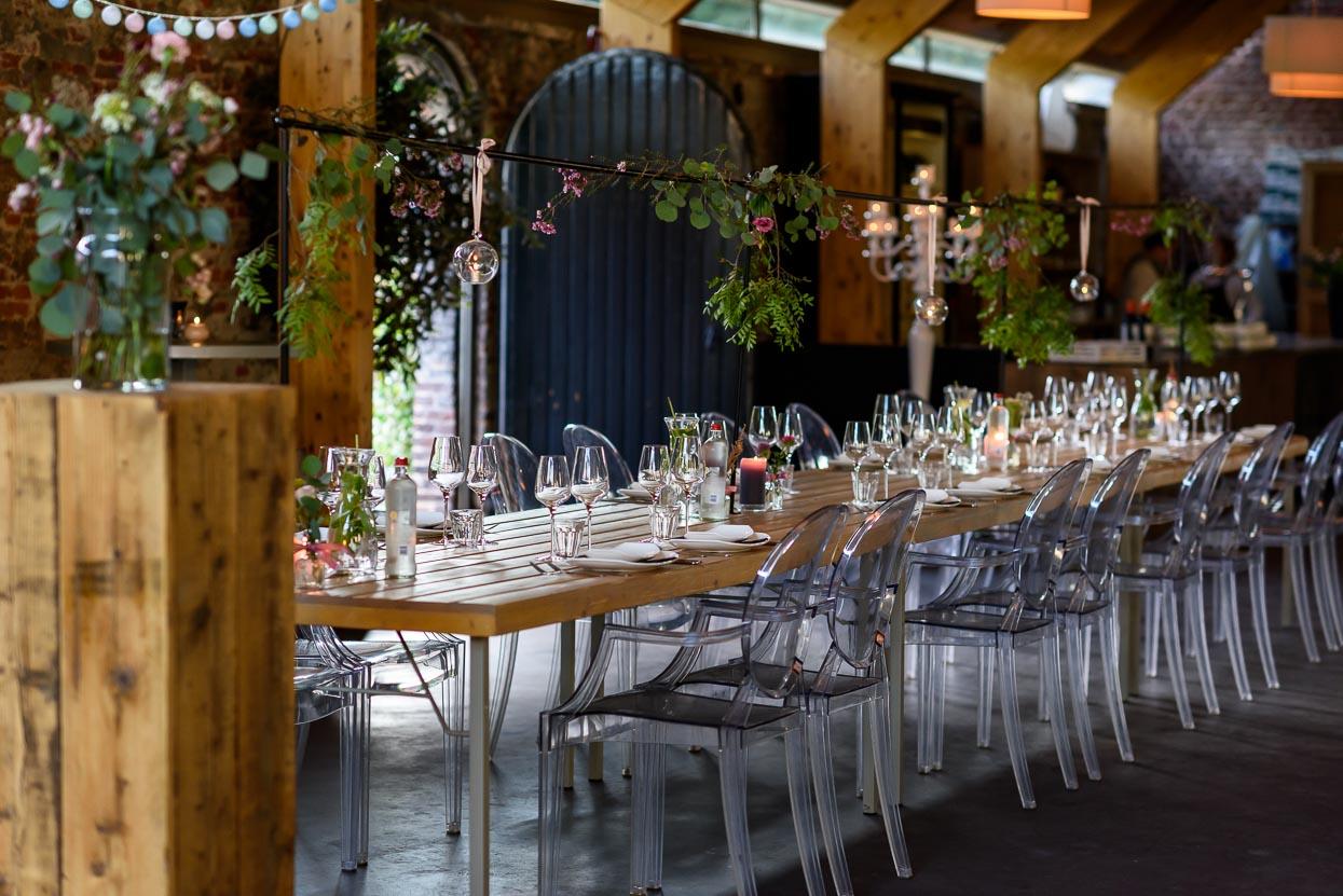 trouwfoto's kasteelhoeve geldrop dineren lange tafels