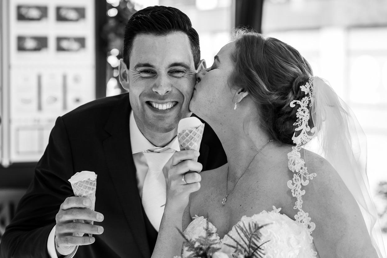 ijsje eten op je bruiloft bij hartentroef in someren