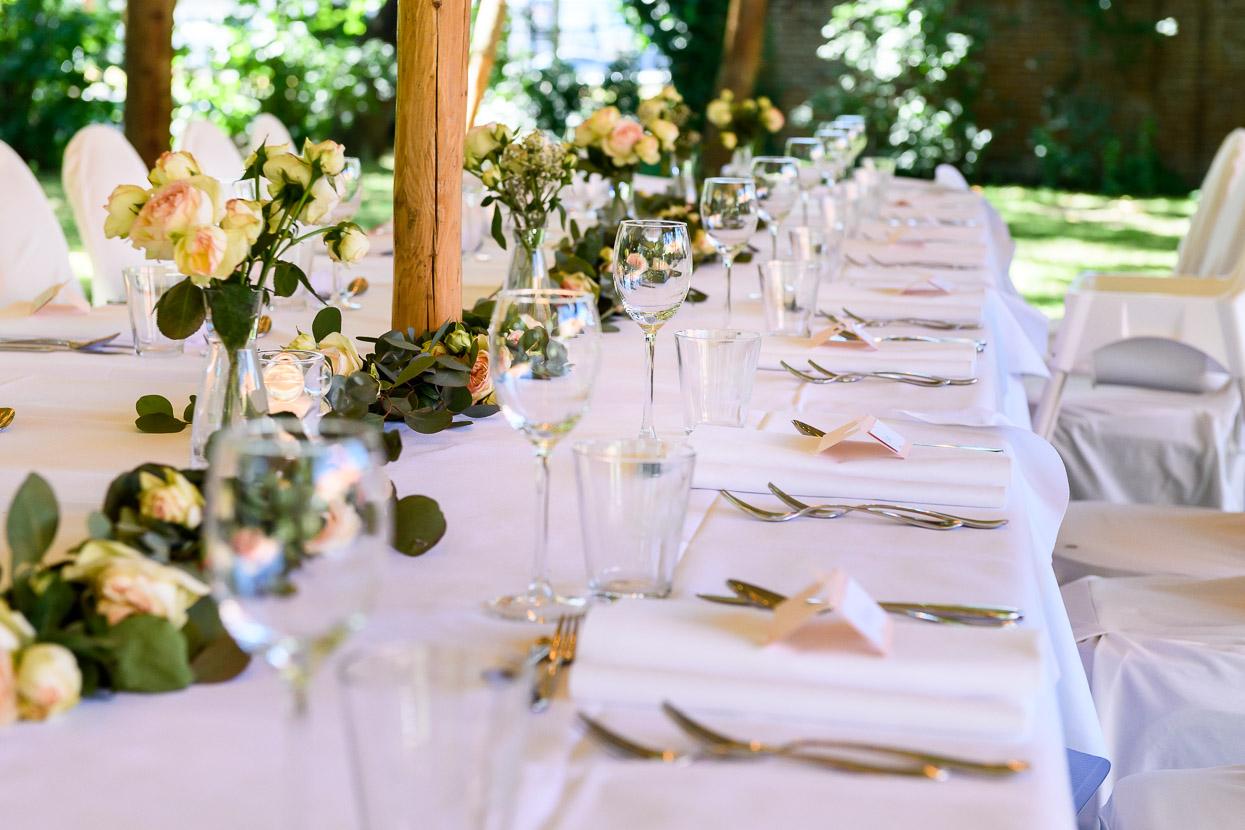diner op je trouwdag in de tuin